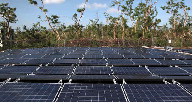 Energia solar - fazenda de energia solar - energia renovável