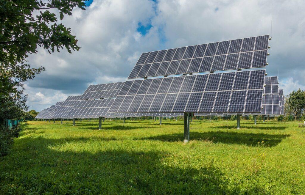 Entenda mais sobre a Folha de Dados do Painel Solar