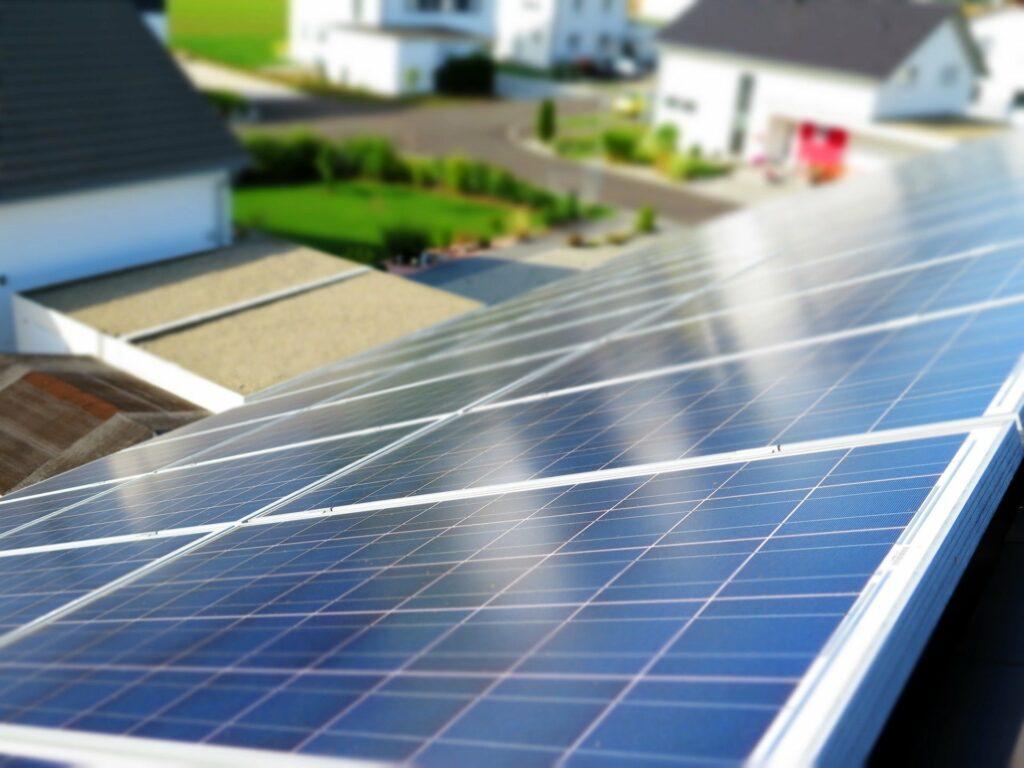Quantos Painéis Solares são necessários para alimentar uma residência