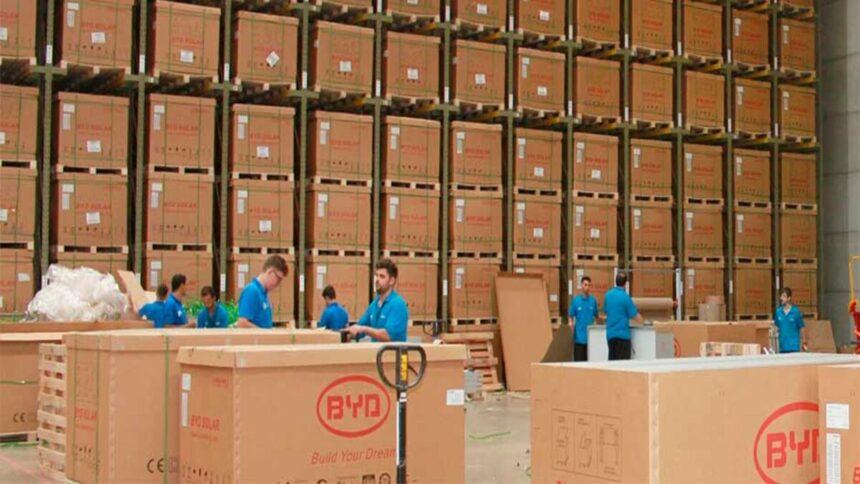 BYD paralisa a produção de painéis fotovoltaicos por tempo indeterminado
