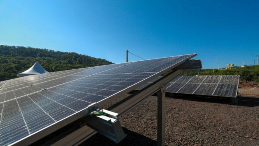 Celesc inaugurou Usina Solar e ampliou a Pequena Central Hidrelétrica (PCH) Celso Ramos. Assim, mais fontes de energias renováveis estão ativas e gerando energia limpa para a comunidade