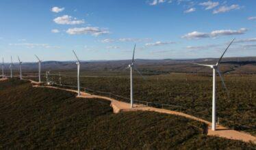 Em meio à busca crescente por fontes de energia renováveis dentro do setor industrial, a AES Brasil trouxe soluções viáveis para as indústrias.
