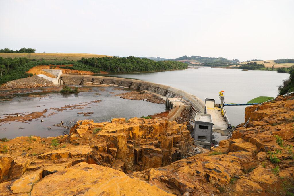 Pequena Central Hidrelétrica Bela Vista, em Verê, no Sudoeste do Estado, instalada no Rio Chopim, entre os municípios de Verê e São João, no Sudoeste do Paraná